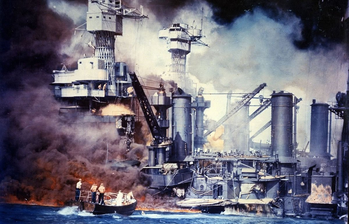 Image of boats during Pearl Harbor attack