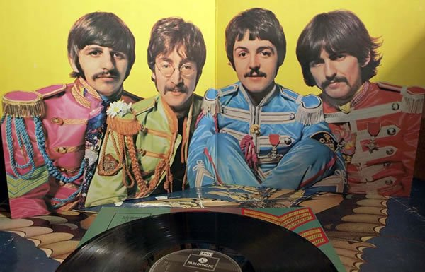 Image of the Sgt. Peppers album gatefold