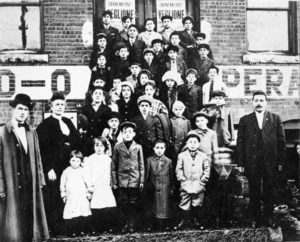 Image of children on the steps of the Barre Labor Hall