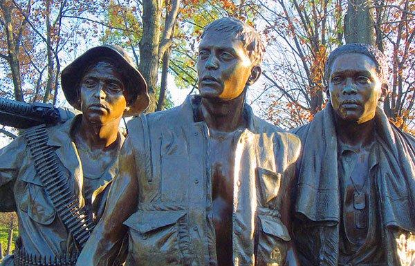 Image of statue of Vietnam soliders