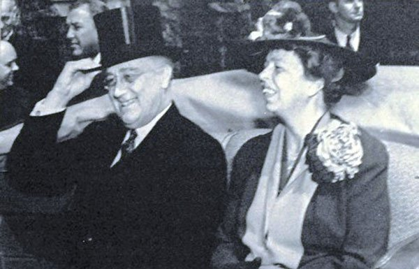 Image of FDR and Eleanor