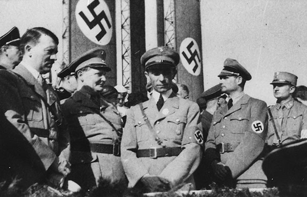 Image of Goebbels and other Nazis
