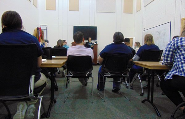 Kathy Fox teaching course in prison